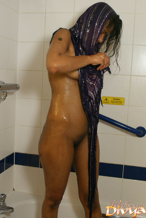 Perfect boobs and shaved pussy indian be - XXX Dessert - Picture 7