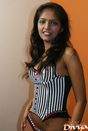 curvaceous indian teen girlfriend