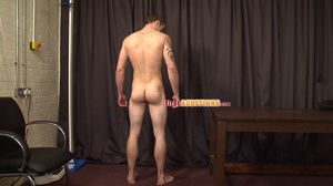 Itchy butt hole gay stud exposing his we - XXX Dessert - Picture 5