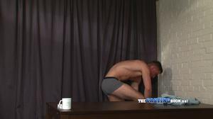 Apple butt amateur gay hunk watching xxx - XXX Dessert - Picture 4