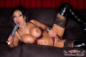 Driving that dildo into her Indian sex s - XXX Dessert - Picture 3