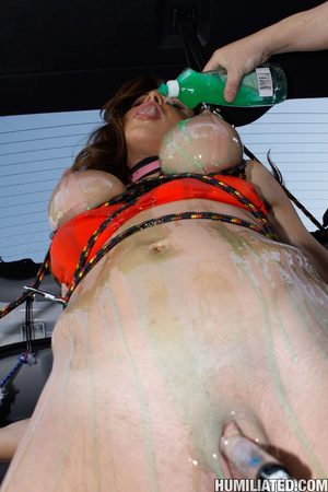 Nasty hoe washing her car cums a fucking - XXX Dessert - Picture 4