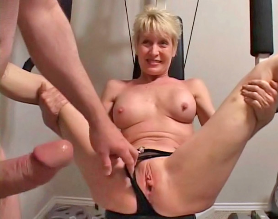 Mature all holes fuck(amateur)