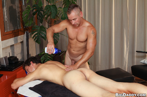 Older naked guy seduced young twink stud - XXX Dessert - Picture 5