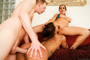 Latina porn tranny is having pleasure wi - XXX Dessert - Picture 6