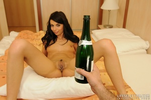 Lovely porngame brunette with perky tits - XXX Dessert - Picture 9