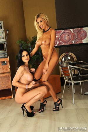 Twp porngame lesbos slolwy getting naked - XXX Dessert - Picture 15