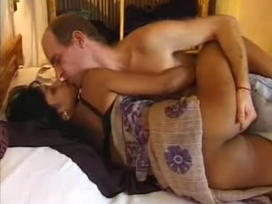 Hot Call Girl Having Sex With White Guy In Their Bedroom