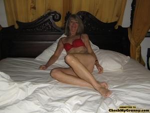 Blonde amateur granny gets her face cum  - XXX Dessert - Picture 3