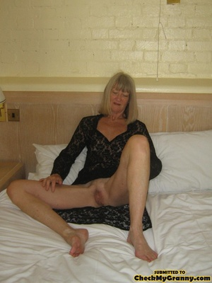 Blonde amateur granny gets her face cum  - XXX Dessert - Picture 6