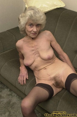 Big melons naked mature lady in black st - XXX Dessert - Picture 1