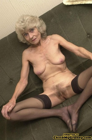 Big melons naked mature lady in black st - XXX Dessert - Picture 9