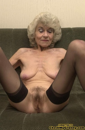 Big melons naked mature lady in black st - XXX Dessert - Picture 11