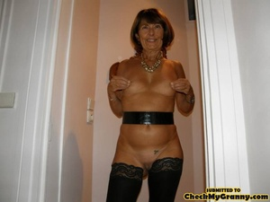 Mature brunette babe in black stockings  - XXX Dessert - Picture 4