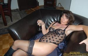 High heeled brunette mature chick spread - XXX Dessert - Picture 7