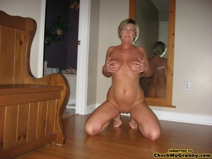 Mature blonde housewife in tight black s - XXX Dessert - Picture 3