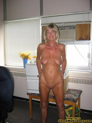Mature blonde housewife in tight black s - XXX Dessert - Picture 6