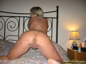 Mature blonde housewife in tight black s - XXX Dessert - Picture 15