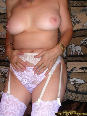 Blonde mature stunner teasingly changing - XXX Dessert - Picture 2