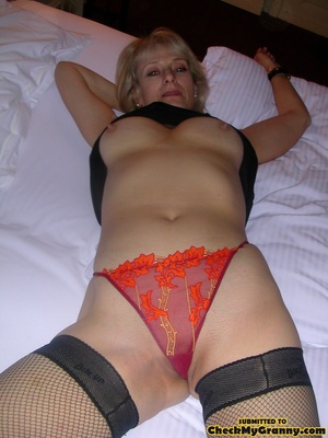 Blonde mature stunner teasingly changing - XXX Dessert - Picture 8
