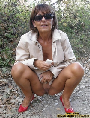 Homemade pics of brunette granny in coat - XXX Dessert - Picture 4