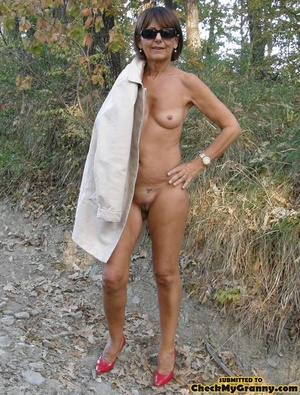 Homemade pics of brunette granny in coat - XXX Dessert - Picture 5