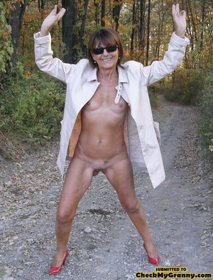 Homemade pics of brunette granny in coat - XXX Dessert - Picture 6