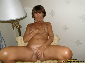Homemade pics of brunette granny in coat - XXX Dessert - Picture 8