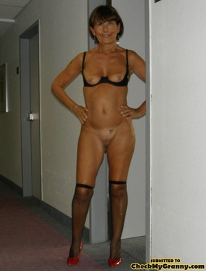 Homemade pics of brunette granny in coat - XXX Dessert - Picture 10