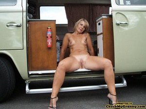Shaved pussy mature blonde chick posing  - XXX Dessert - Picture 13