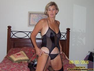 Cum In Black Granny