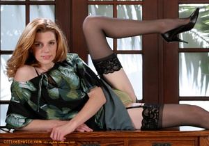 Hot secretary posing on cam and undresse - XXX Dessert - Picture 8
