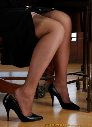 His secretary is a lustful slut who alwa - XXX Dessert - Picture 8