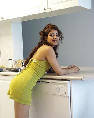 indian hottie shows her