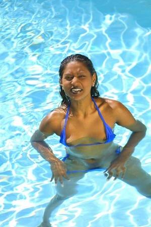 Naughty Indian Babe In Bikini Flashing H - XXX Dessert - Picture 15