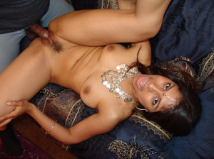 Indian Chick Gives Blowjob Fucked Missio - Picture 12