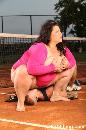 Brunette fatty in pink dress smothering  - XXX Dessert - Picture 11