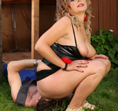 Hot chubby slut in sexy latex lingerie makes dude licking her fat cooch