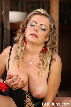 Hot chubby slut in sexy latex lingerie m - XXX Dessert - Picture 12