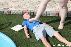 Pool cleaner gets captured by mistress a - XXX Dessert - Picture 3