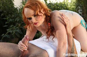 Chubby ginger bitch gets high when sitti - XXX Dessert - Picture 5