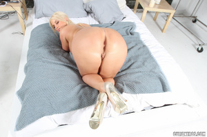 Blonde mom with huge jugs gets doggystyl - XXX Dessert - Picture 6