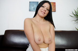 Busty brunette shows off her delights an - XXX Dessert - Picture 3