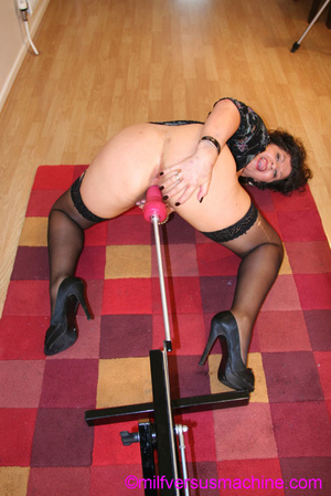 Horny milf in black stockings gets her c - XXX Dessert - Picture 2