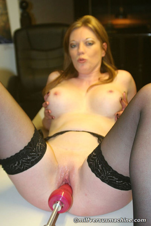 Sexy mom in stockings getting high havin - Picture 13