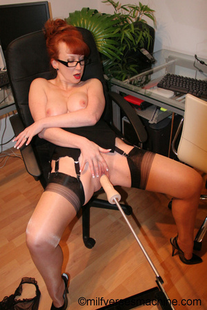 Red secretary in glasses and sexy linger - Picture 3