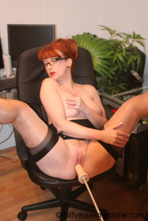 Red secretary in glasses and sexy linger - Picture 7