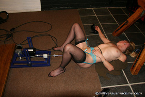 Blonde mom in stockings gets her cooch s - XXX Dessert - Picture 3