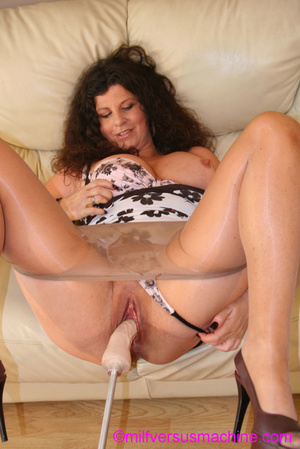 Curly brunette mom in pantyhose stretchi - Picture 3