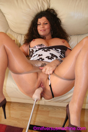 Curly brunette mom in pantyhose stretchi - Picture 4